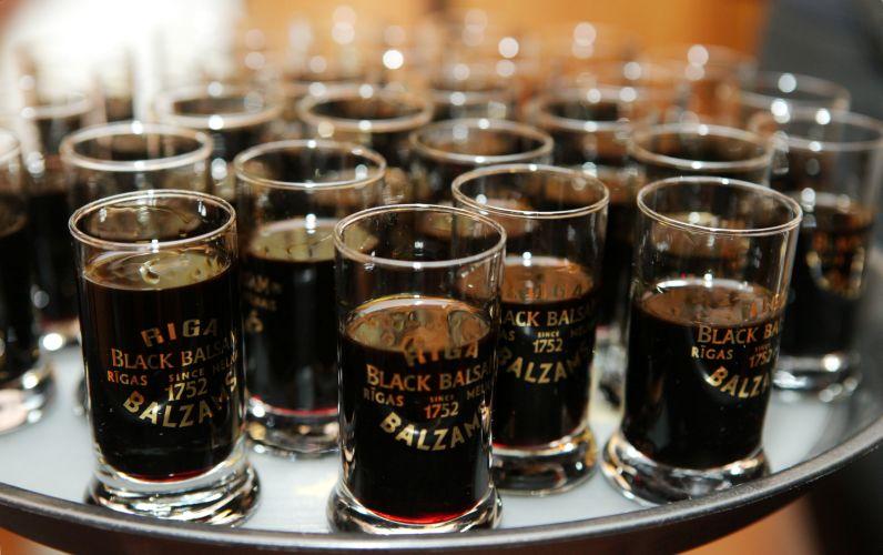 Алкогольное и лекарство – Рижский бальзам