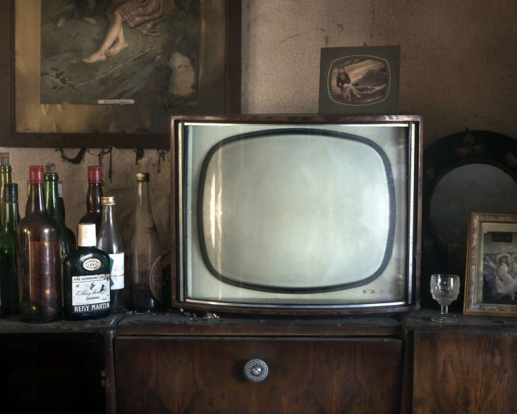 televizor-butylki-fon