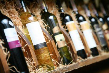 Выбираем вино в магазине